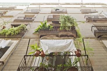 Die engen Gassen des Barrio Gótico