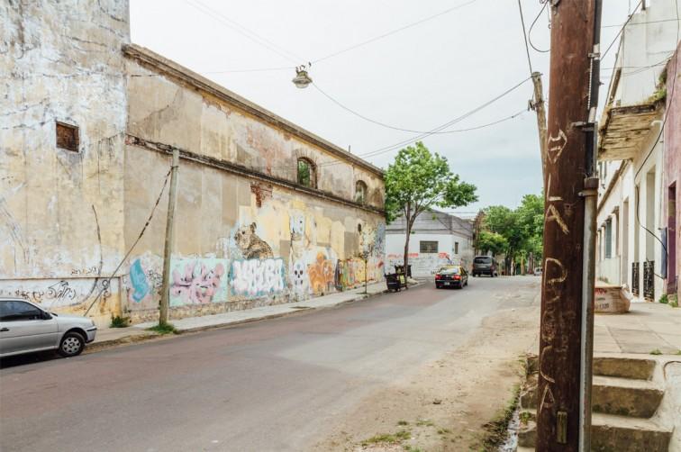 Verlassenes Gefängnis in La Boca | graffitimundo und Street Art in Buenos Aires, Stilnomaden