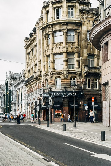 Straßenecke in der Nähe der Estación de Bilbao-Concordia | 25h in Bilbao, Stilnomaden